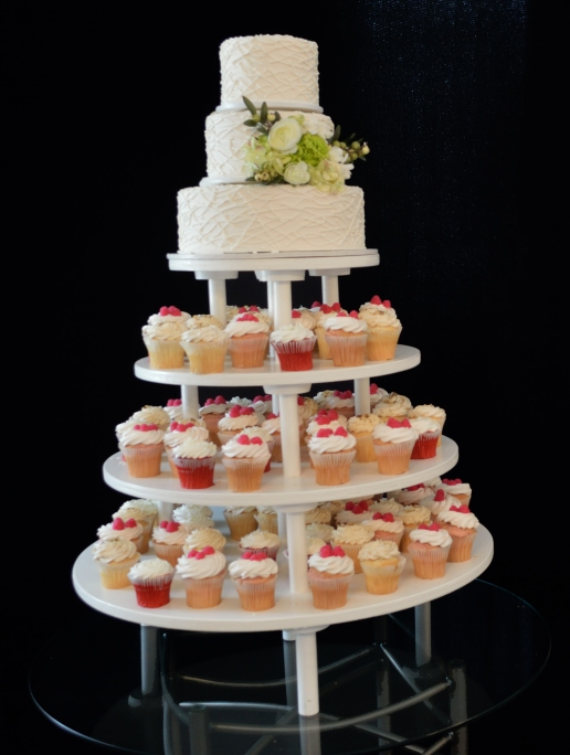 Half Tree with 3 tier Cake